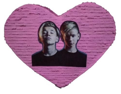 πινιάτα καρδιά Marcus & Martinus