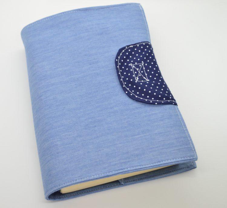 Θήκη για μυθιστόρημα γαλάζιο θέμα