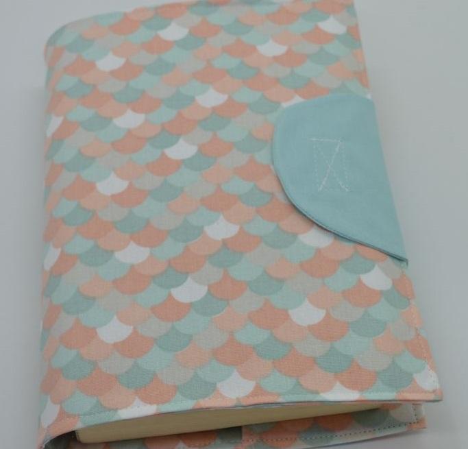 Κάλυμμα για βιβλία με θέμα κύμματα παστέλ