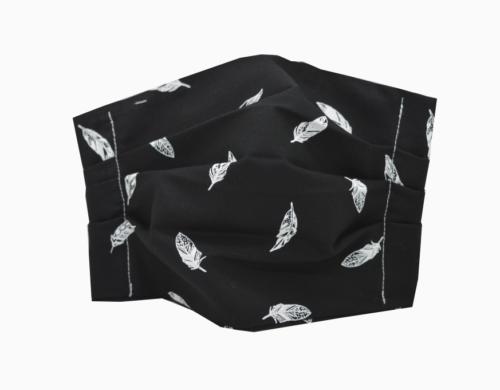 υφασμάτινη μάσκα μαύρη με λευκά φτερά