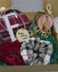 Δωροκουτάκι για τη νονά με γούρι ρόδι πήλινο