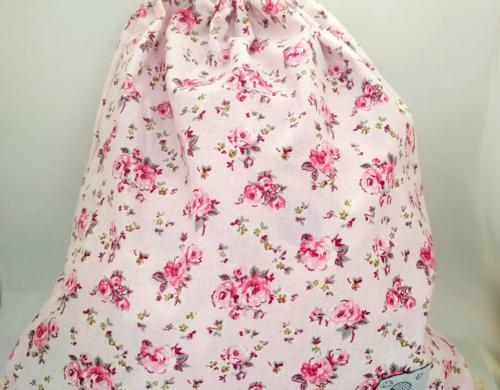 τσάντα πλάτης με κορδόνια φλοραλ ροζ