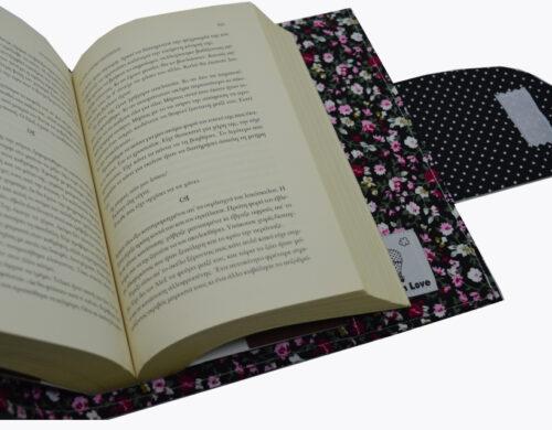 θήκη βιβλίου μαύρη με μικρά λουλουδάκια 3