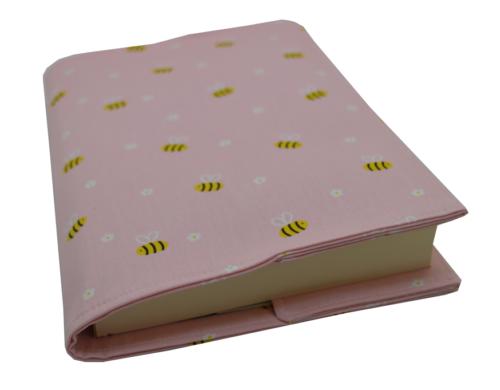 θήκη βιβλίου ροζ με μελισσούλες