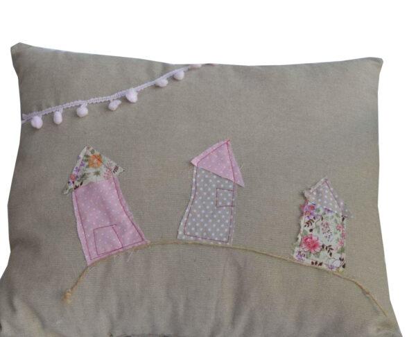 pillow house theme